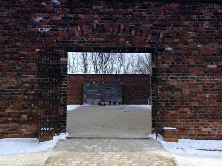 Gate to hell, Auschwitz
