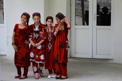 Dancers - Ihskashim